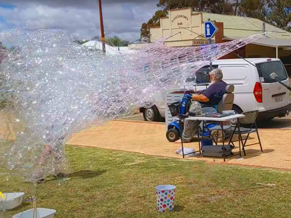 Millions of Bubbles with the Bubble storm
